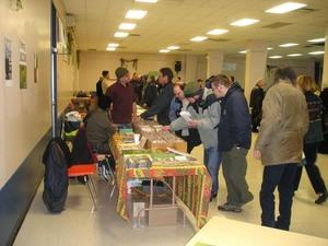 Les semenciers sont très généreux d'informations  Fête des Semences 2008  Prise par Guy Méthé