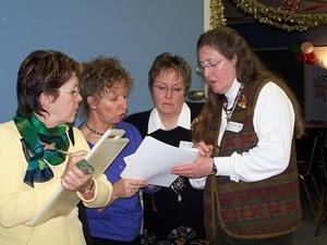 Une autre  équipe toute féminine!   Noël 2005 Prise par Nancy Ross