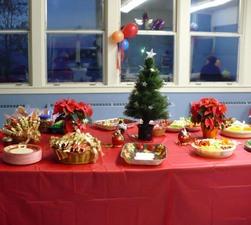 La table de service      Noël 2007 Prise par Nicole Sanschagrin