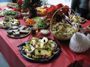 Un beau choix de bons fromages  Fête de Noël 2007 Prise par Claude Bergeron