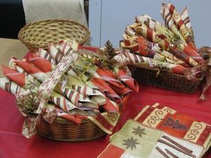 Lise Gagnon nous a préparé de jolies serviettes de table  Fête de Noël 2007 Prise par Claude Bergeron