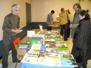 On pouvait même acheter de beaux livres  Fête des Semences 2008  Prise par Guy Méthé