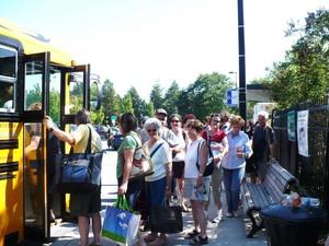 Visite au Jardin botanique de Montréal   Juillet 2008  - Des visiteurs ravis de leur journée  -  Prise par Nicole Sanschagrin