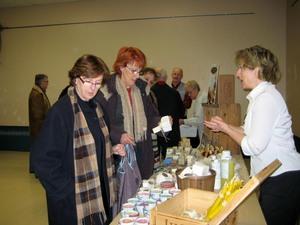 On y vend aussi des produits à base de plantes  Prise par Un membre de la société d'horticulture