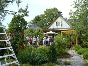 Le jardin des curiosités 2009  Prise par Nicole Sanschagrin