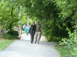 Voyage 2009 au Jardins Daniel A. Séguin - Un beau sentier pour les amoureux! -  Prise par Nicole Sanschagrin