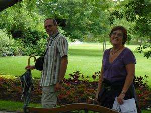 Voyage 2009 au Jardins Daniel A. Séguin - On ne peut que sourire dans un si bel endroit -  Prise par Nicole Sanschagrin