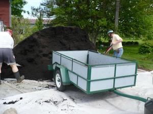Projet compost 2011 - Toujours apprécié! Prise par Nicole Sanschagrin