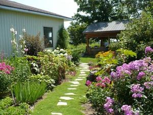 Les Jardins de Carole et Gérard à St-Basile. -   Prise par Nicole Sanschagrin