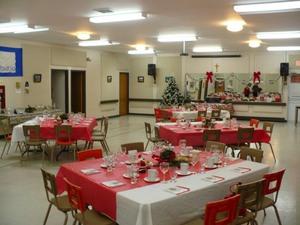 De belles tables bien montées, sous les conseils de nos traiteurs Prise par Nicole Sanschagrin