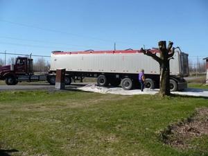 C'est tout un camion qui transporte le compost! Prise par Nicole Sanschagrin