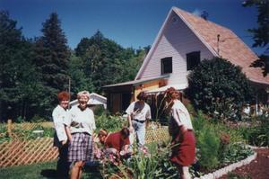 Visite chez Lyne Trudeau et Pierre Bergeron à Bernière en août 1997. Prise par Inconnu